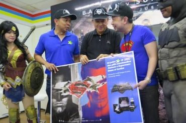 Beli Pulsa XL Di Indomaret Bonus Merchandise Batman Dan Superman