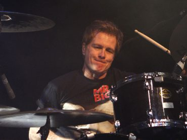 Drummer Mr. Big, Pat Torpey Meninggal Dunia Akibat Parkinson
