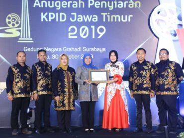 Khofifah Terima KPID Award 2019, Momentum Tepat Jogo Jawa Timur