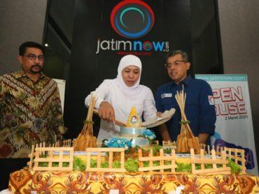 Rayakan Ulang Tahun Buka Pasar Gula Dan Buah Murah, Kantor Jatimnow Diserbu Warga